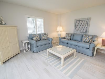 Photo for Great Gulf-front 2BR/2BA condo-WiFi-tennis courts-gorgeous pool