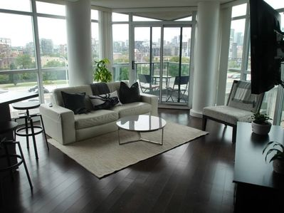 Gorgeous 2BR condo with amazing views and hardwood floors throughout
