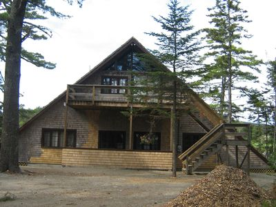 Photo for Waters Edge Cottage, In the woods, spacious, quiet cove, private