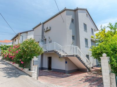 Photo for Apartment IVA - 6 persons - Trogir - island Ciovo - Okrug Gornji