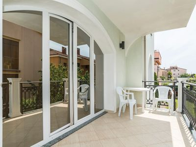 Photo for Apartment in the center of Umag with Air conditioning, Parking, Terrace, Garden (576363)