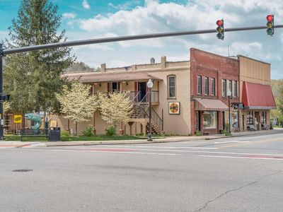 Photo for Everett Apt A - In the Heart of Bryson City, walkable to every brewery
