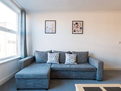 Photo for Homely, Bright 2 Bed Apartment in Central Old Town