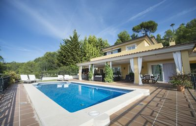 Photo for Beautiful and luxurious villa with pool 5 minutes from the beach of Puerto Portals