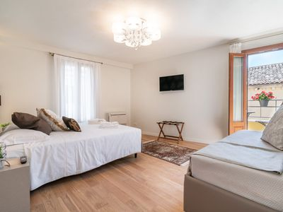 Photo for Room 9 - Grifoni Boutique Hotel - Rent for rooms for 4 people in Venecia