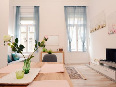Photo for Lillybeth City Center Apartment A