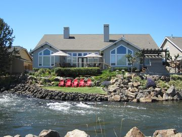 Craftsman Home on the Water W/Theater Room