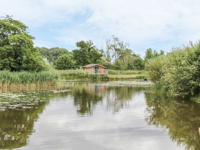 Photo for LAKESIDE LODGE, pet friendly in East Harling, Ref 963052