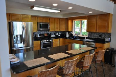 New appliances with plenty of space for both cooking and relaxing.