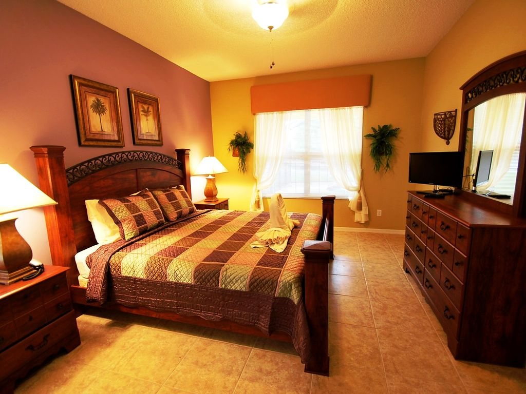 Spacious 7 Bedroom 5 And Half Bath With 4 Master King Size Bed Suites Intercession City