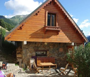 Photo for Independent cottage (sleeps 6) near Bourg d'Oisans and nat Park. caskets