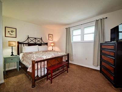 Fully furnished with a pleasant atmosphere.