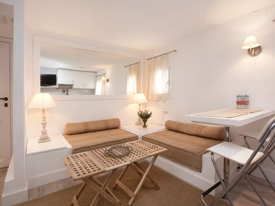 Photo for Lovely 1-Bed Penthouse in Lesseps
