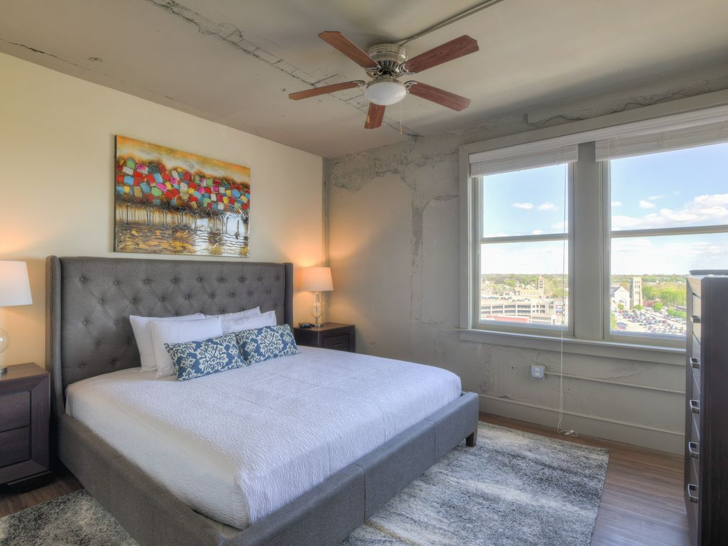 Lovely 3 Bedroom Apartment At The Chisca Memphis Tennessee Rentals And Resorts