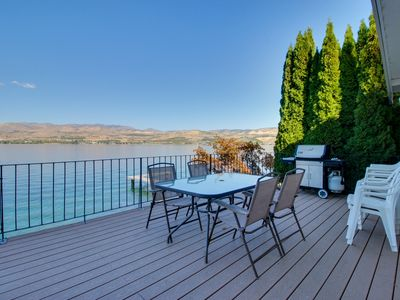 Photo for Lakeside home with private dock & views of Lake Chelan!