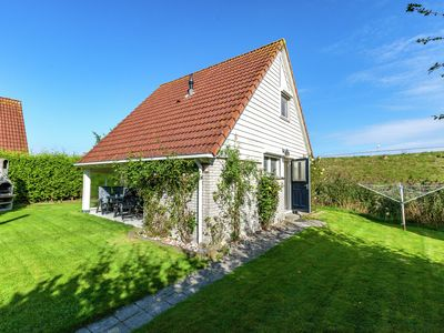 Photo for Superb detached house with spacious garden near the Lauwersmeer and wifi