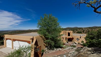 Monte De Canoncito - A Beautiful Mountain Top Home, 10 Miles From Santa Fe, NM