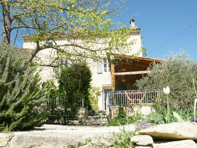 Photo for Pretty Provencal farmhouse dating from the 18th century.