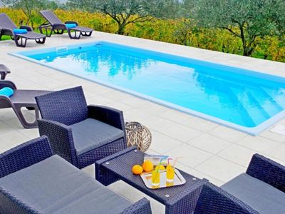 Photo for Holiday apartment Zminj for 1 - 6 persons with 2 bedrooms - Holiday apartment in a villa