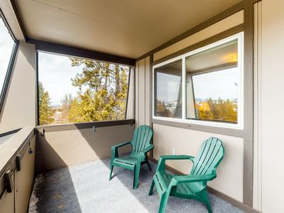 Photo for Beautiful mountain home w/ shared pool & hot tub + free WiFi - close to slopes!