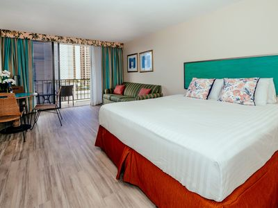 Photo for Palms Waikiki City Studio on 9th Floor with Hotel Amenities and FREE PARKING