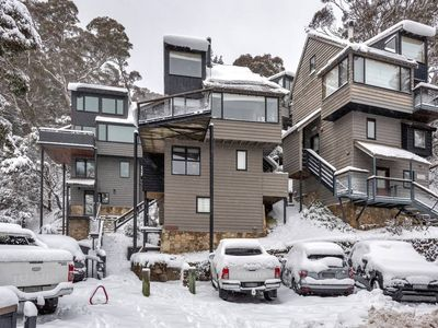 Photo for Thredbo Village Family CHALET - AMAZING VIEWS - just 2 mins from centre