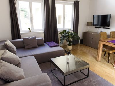Photo for Newly renovated holiday / business apartment - only 5 minutes to the Oktoberfest