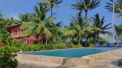 Looking over the pool to Calm Caye