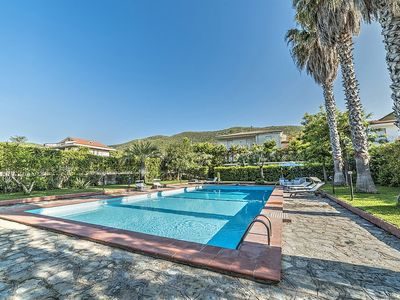 Photo for 5 bedroom Villa, sleeps 11 in Camella with Pool, Air Con and WiFi