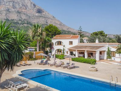 Photo for 5 Bedroom Wheelchair Friendly Villa with Wifi - Sky TV - Air Con & Large pool