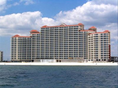 Gulf Front unit with beautiful views of the Gulf and Perdido Pass.