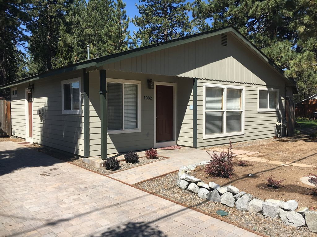 two master bedrooms with flat screen homeaway sierra tract paver driveway with parking for two cars