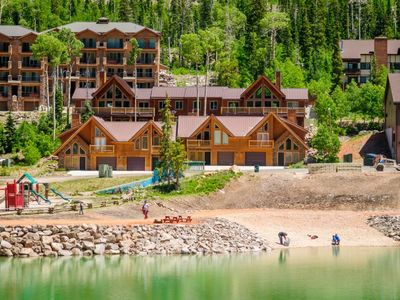 Photo for Comfortable and super close to the slopes. Right across from the park & Bristlecone Pond. Relax in t