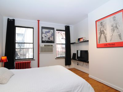 Welcome to the pop-art apartment ! Near Times Square !