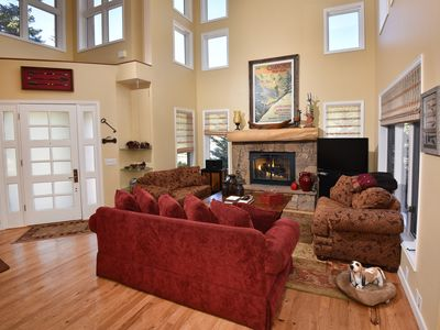 Photo for Large 5 Bedroom Home In Highland Meadows Perfect For 2-3 Families