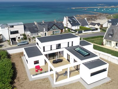 Photo for Villa Pool and Beach Brittany, 4x8m pool, 10 people, 20 meters from the beach