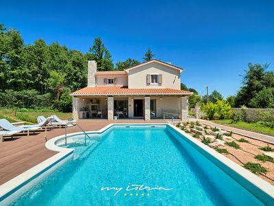 Photo for Elegant modern villa with private pool near Labin