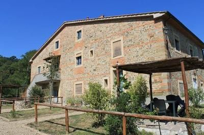 Photo for Holiday apartment Pergine Valdarno for 4 persons with 2 bedrooms - Farmhouse