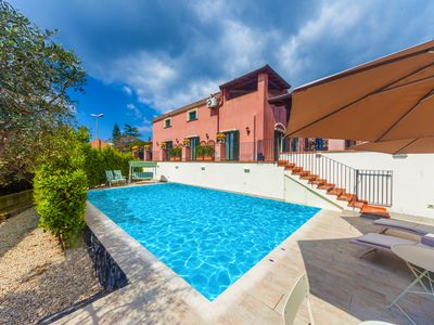 Photo for Private pool, near the center of the town and shopping mall, new furniture