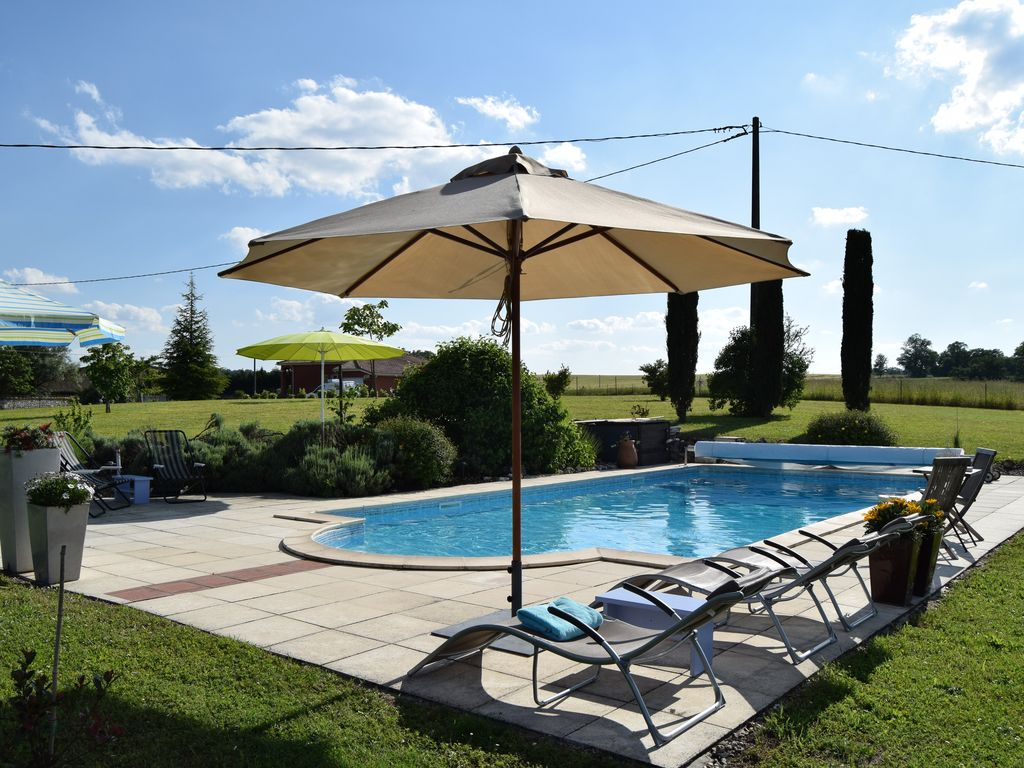 Characteristic Farmhouse With Swimming Pool In The Beautiful French Countryside Saint Eutrope