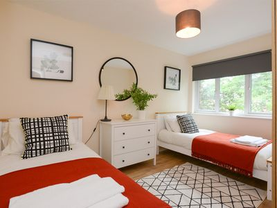 Photo for Beautifully Presented Deluxe Apartment
