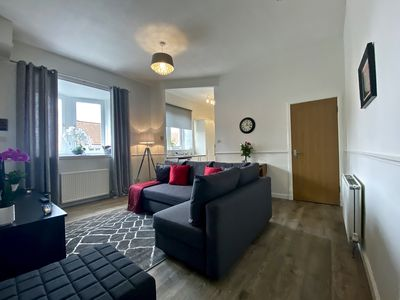 Photo for Self-catering apartment in the heart of Linlithgow, close to Edinburgh Airport