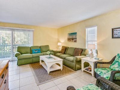 Photo for 1 bedroom accommodation in Pensacola Beach