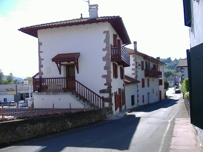 Photo for Charming townhouse, 2 steps from the medieval town of St Jean Pied de Port