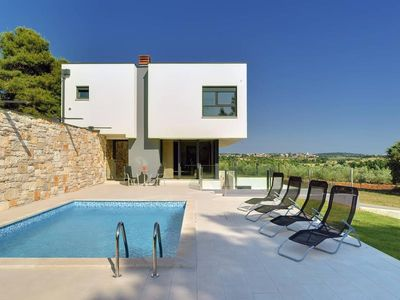 Photo for Exclusive villa with private pool, 4 bedrooms, 3 bathrooms, washing machine, air conditioning, WiFi, garden, barbecue and only 2 km to the beach