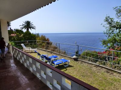 Photo for Detached holiday home with unobstructed sea views and private garden, FREE WIFI