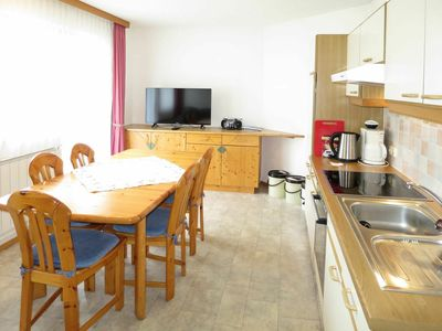 Photo for Lovely apartment for 5 guests with WIFI, TV, balcony and parking