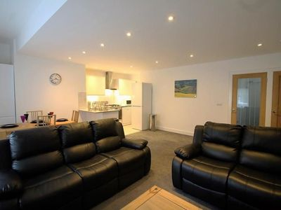 Photo for Exquisite 3 Bed apartment near Heathrow