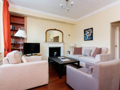 Photo for Beautiful 2 bed apartment in desirable Chelsea (Veeve)