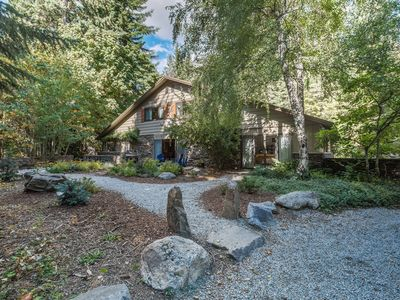 Photo for Triple Pines Lodge-Large Family Retreat Near Lake Wenatchee!